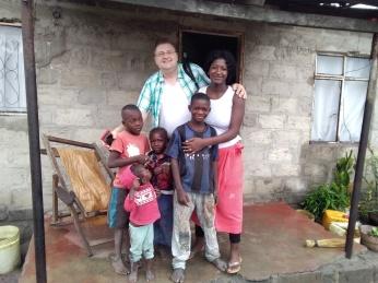 Erste Kinder in der Gegend des Kingdoms von Chief Chamuka. Seid willkommen mit Euren Verwandten, Freunden und Geschwistern!