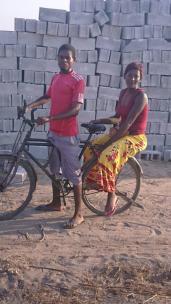 E auf Fahrrad Baumaterial